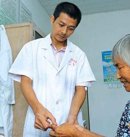 【我是村医】坚守23年,服务农村群众 ――记龙潭镇将军村村医刘利