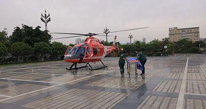 德阳市第六人民医院五一空中救援与死神赛跑