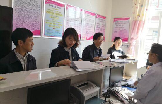 国家妇幼中心王爱玲一行考察凉山州预防艾滋病母婴传播工作