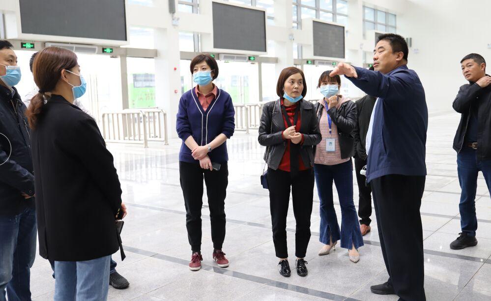金堂县妇保院领导到新冠疫苗临时集中接种点开展实地调研